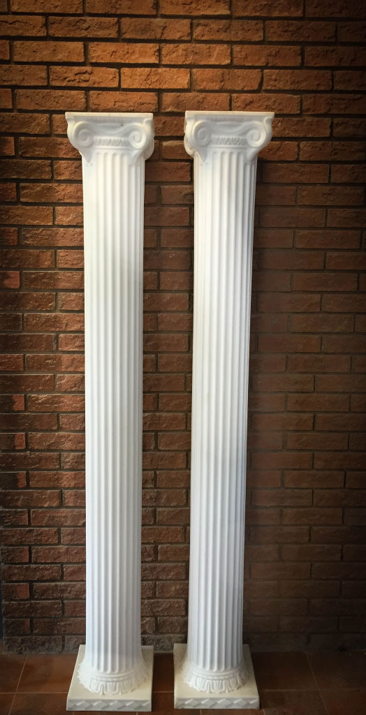 White Metal Pillars : Ft white pillars